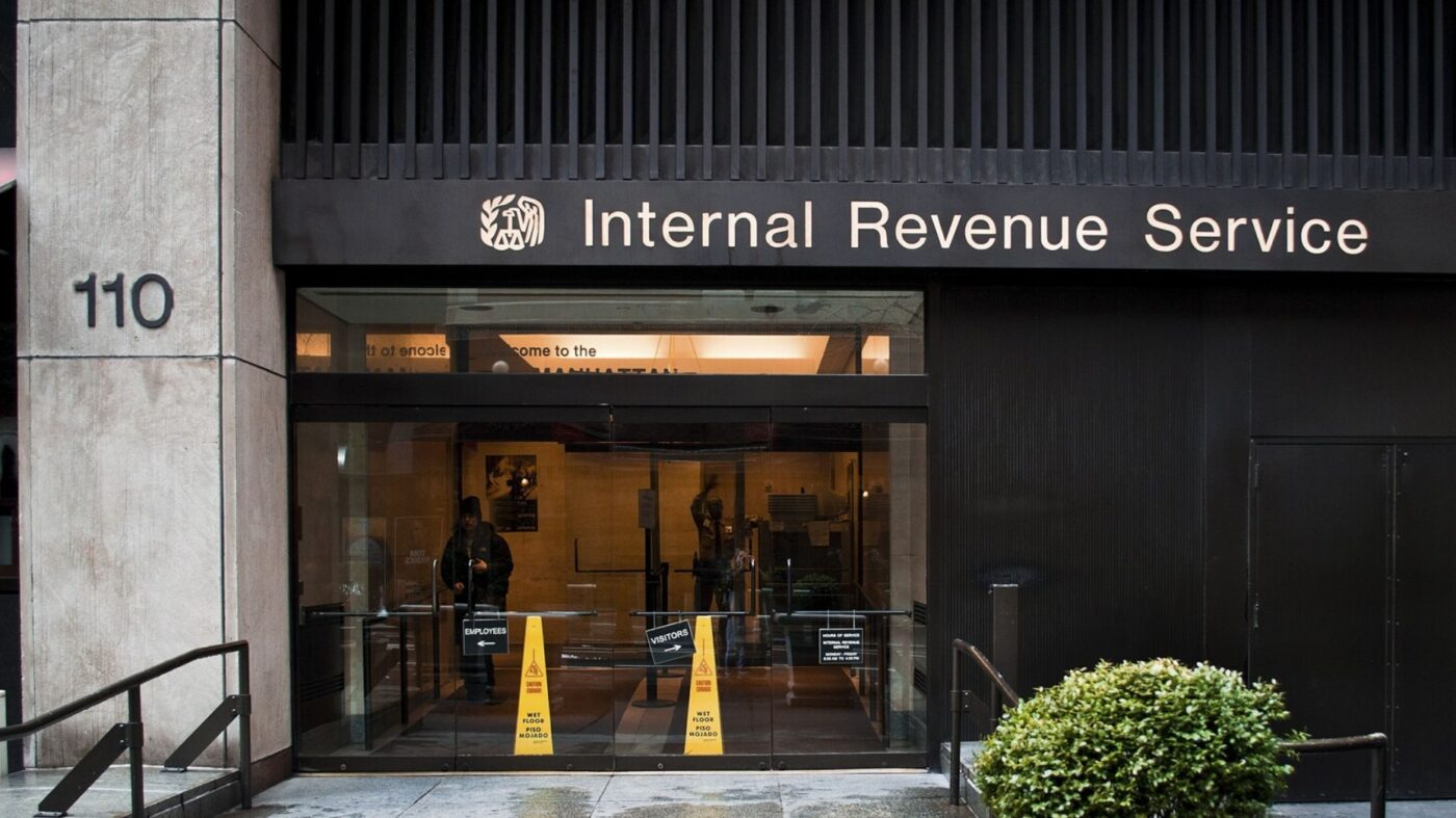 IRS launches tool to track stimulus check deposit