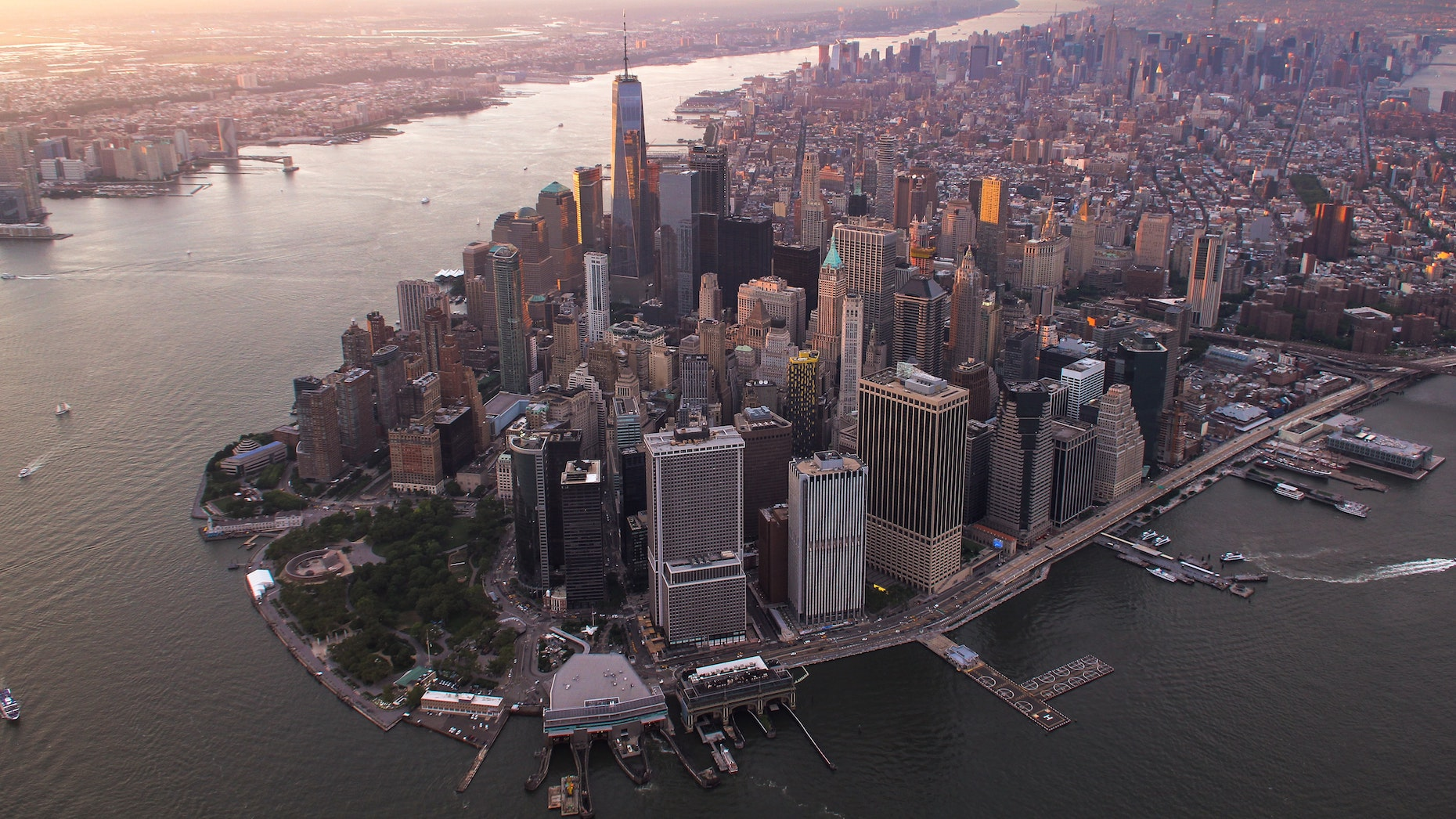 Broker confidence in New York City plummets to record low