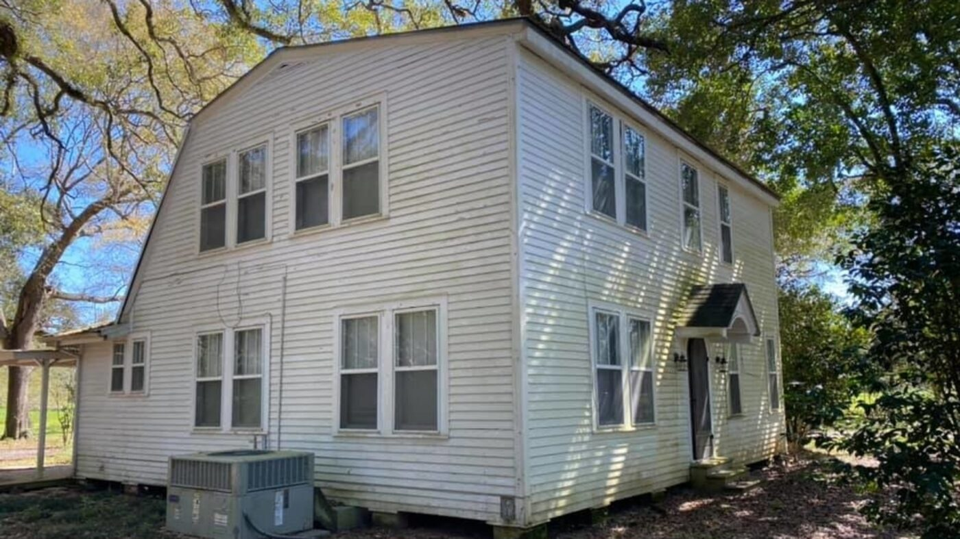 A Louisiana home is 'too haunted' to sell so its owners are giving it away