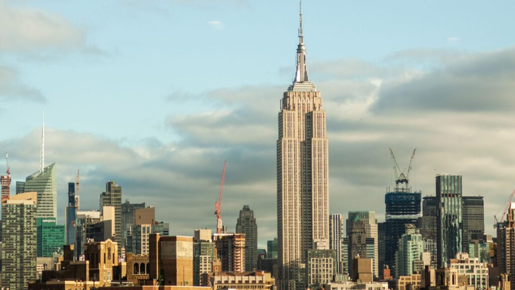 Manhattan luxury market roars back to life with best week in 5 years