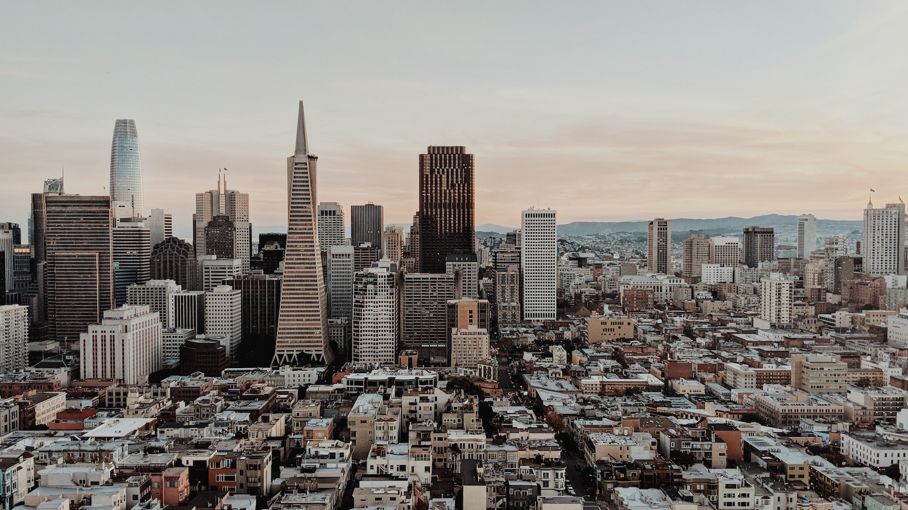 Expensive U.S. cities see rents fall amid coronavirus pandemic