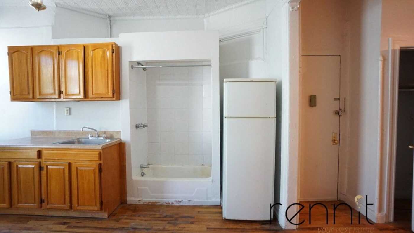 This apartment got scooped up in 2 weeks — despite a 'kitchen shower'