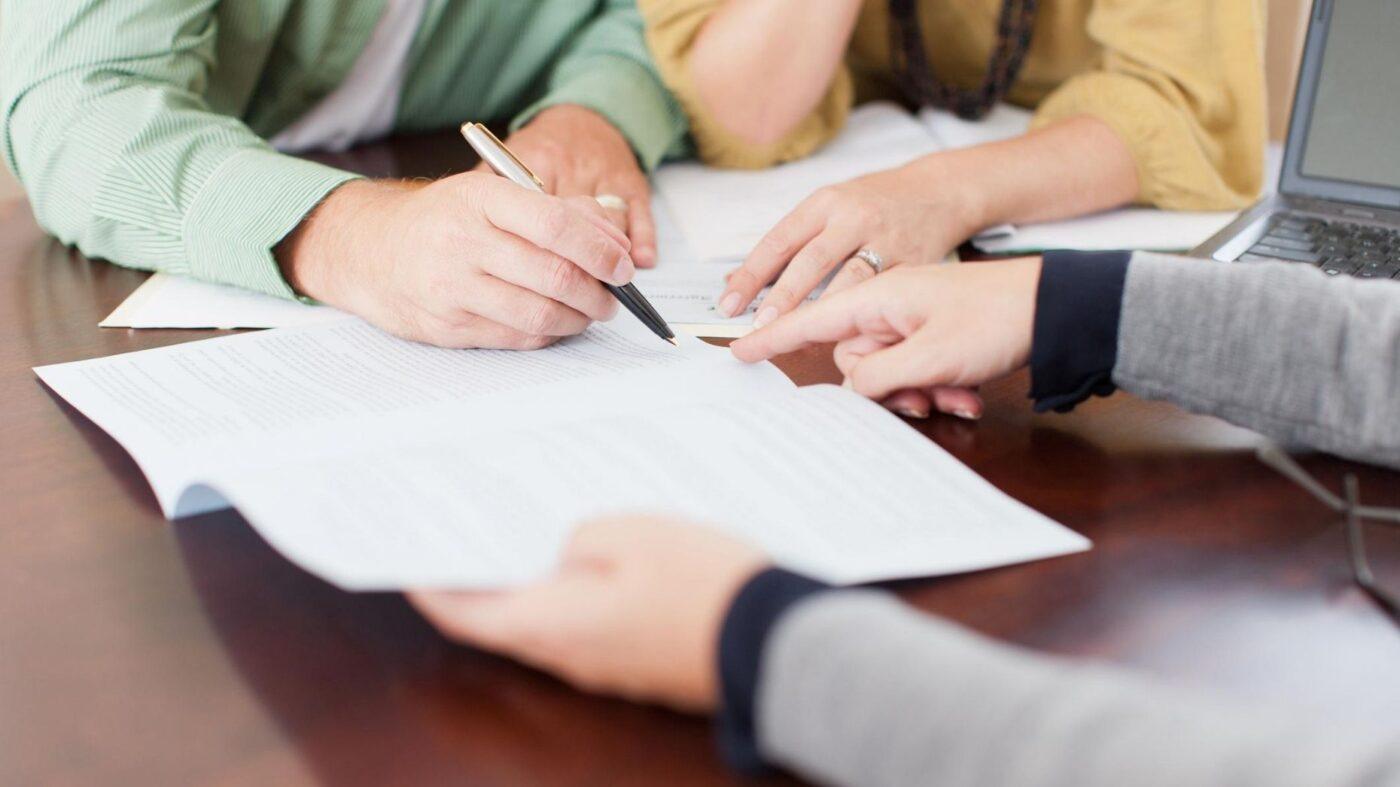 Mortgage applications drop 5.1%
