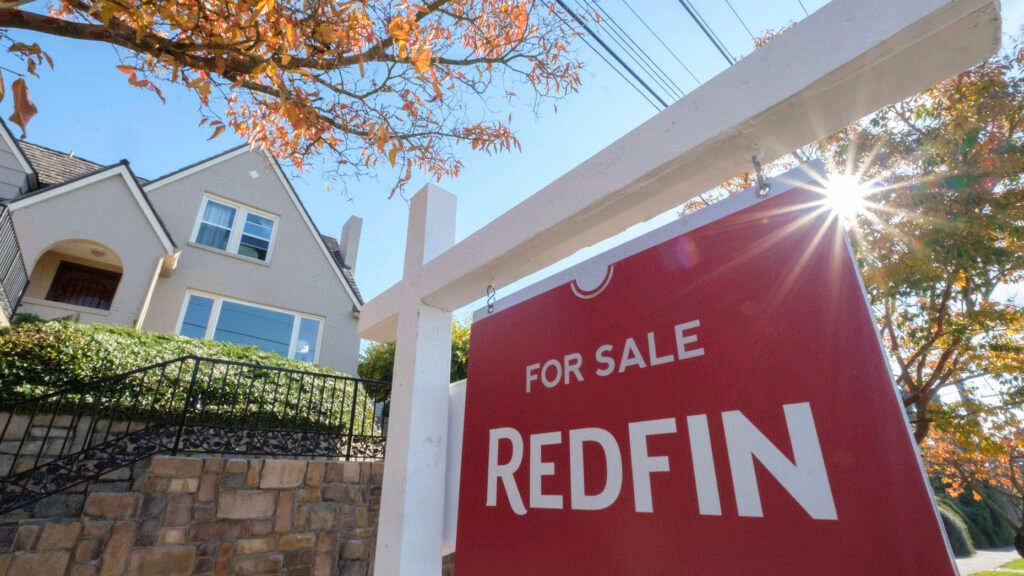 Amid discrimination lawsuit, agents criticize Redfin pricing policies