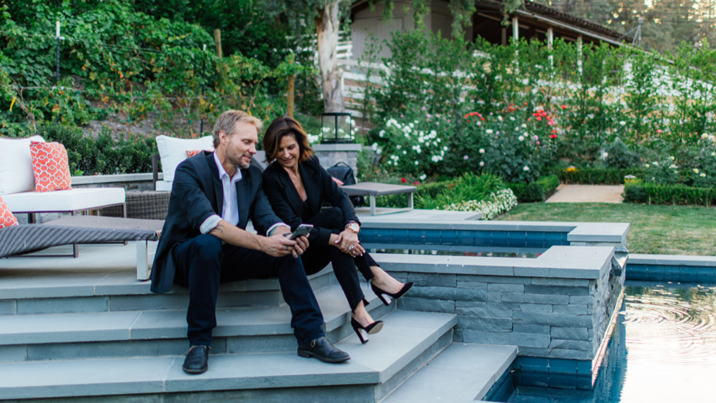 Frontgate sheds brokerage to bring boutique brand to exclusive communities