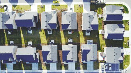 Blackstone shells out $6B to re-enter rental market