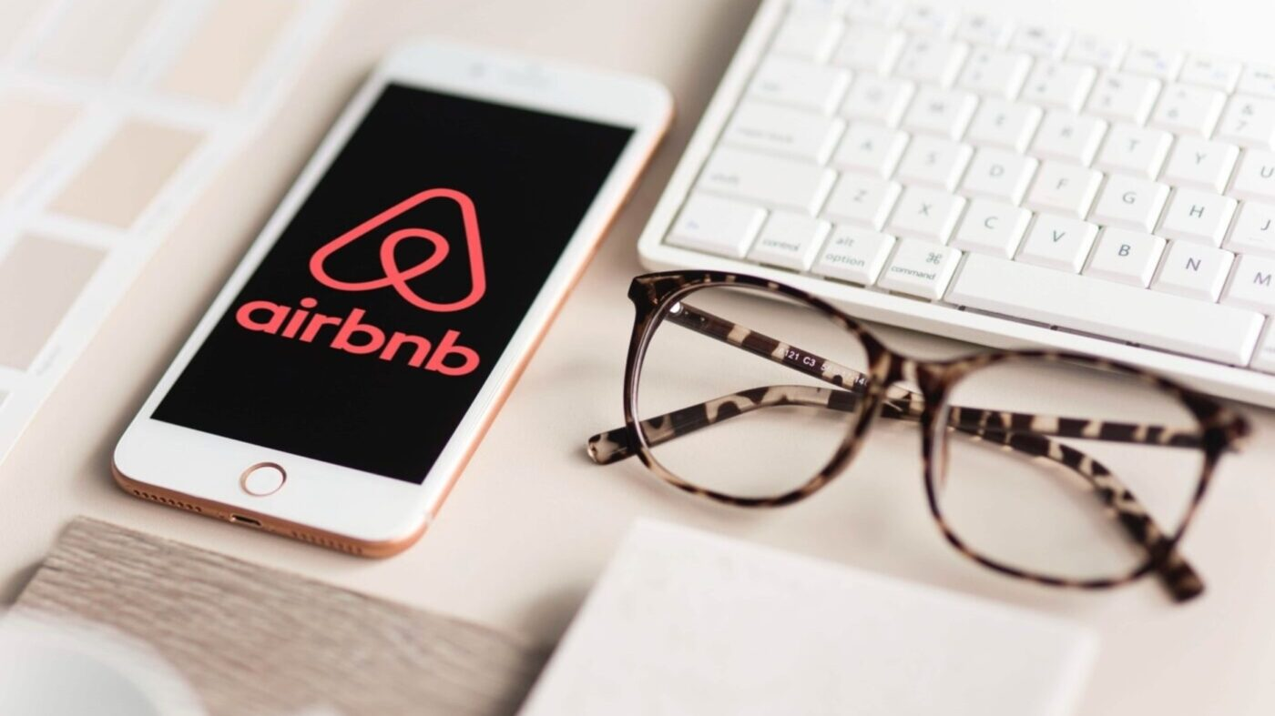 Airbnb exec resigned over data sharing with China