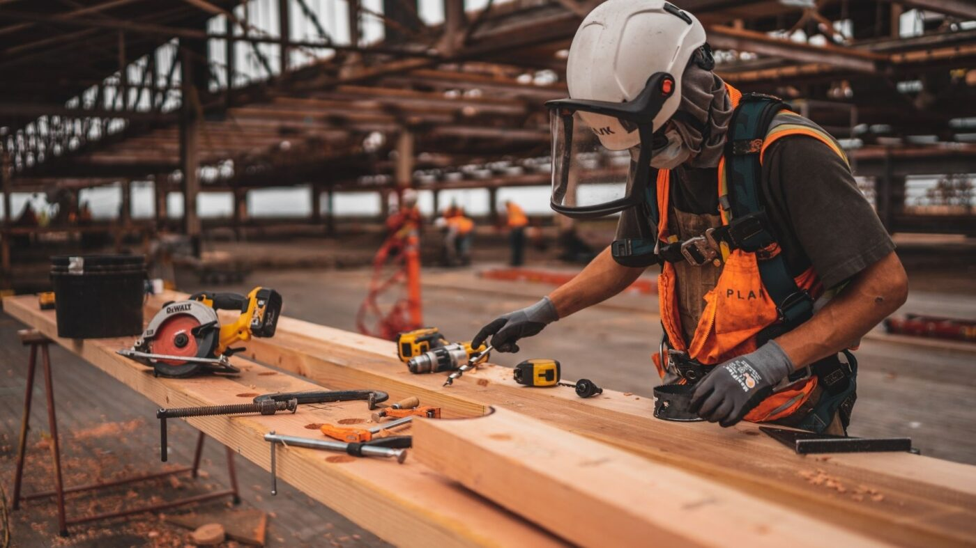 Builder confidence creeps up 1 point in February: NAHB