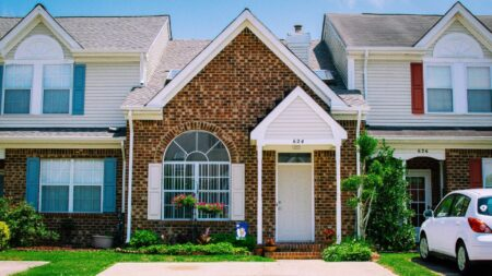Sale-to-list price ratio hits all-time high: Redfin