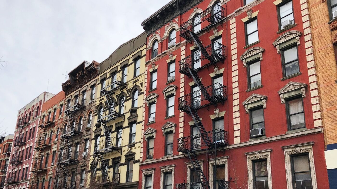 Manhattan landlords warehouse rentals amid slowdown