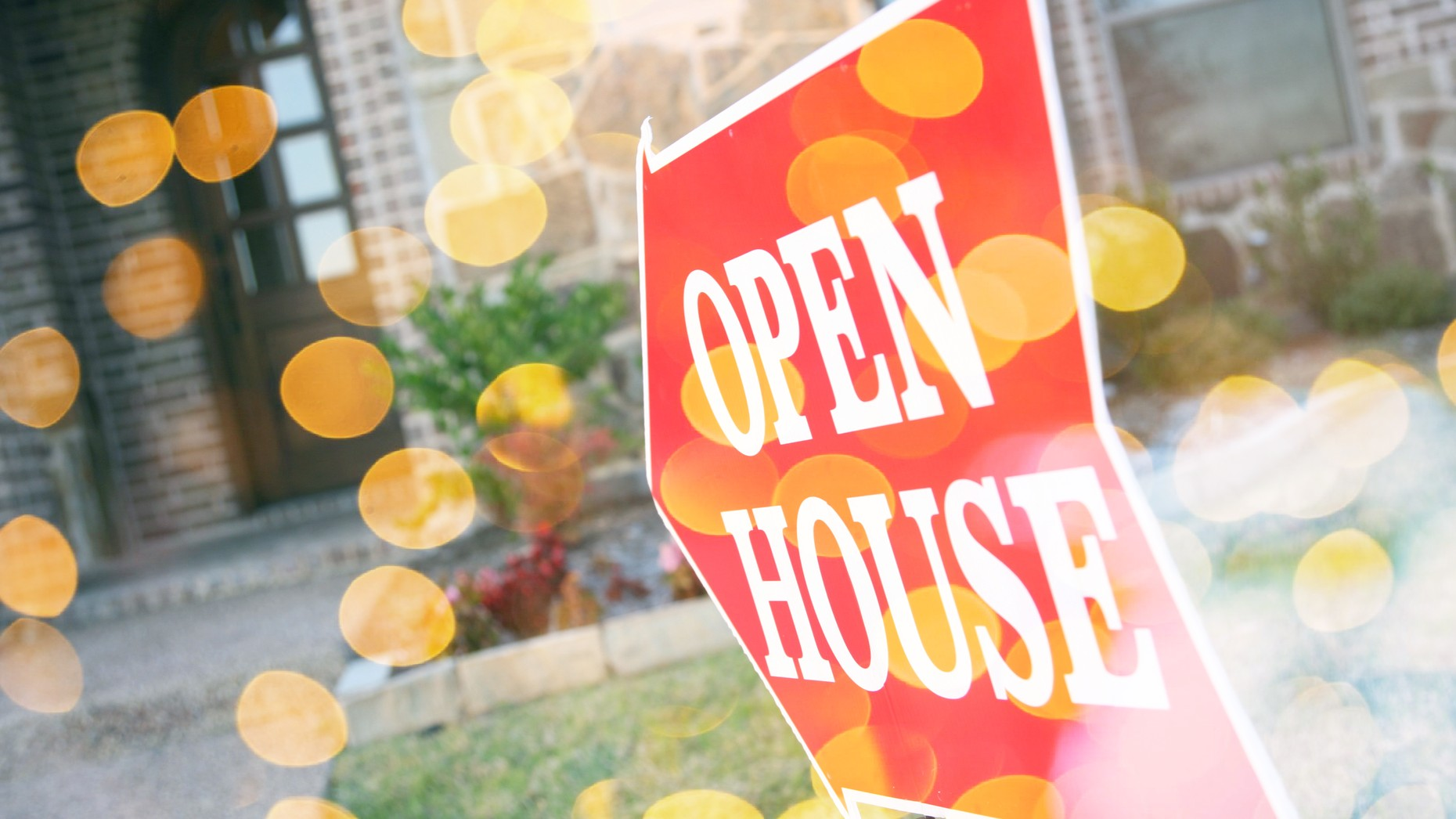 How to safely handle an open house