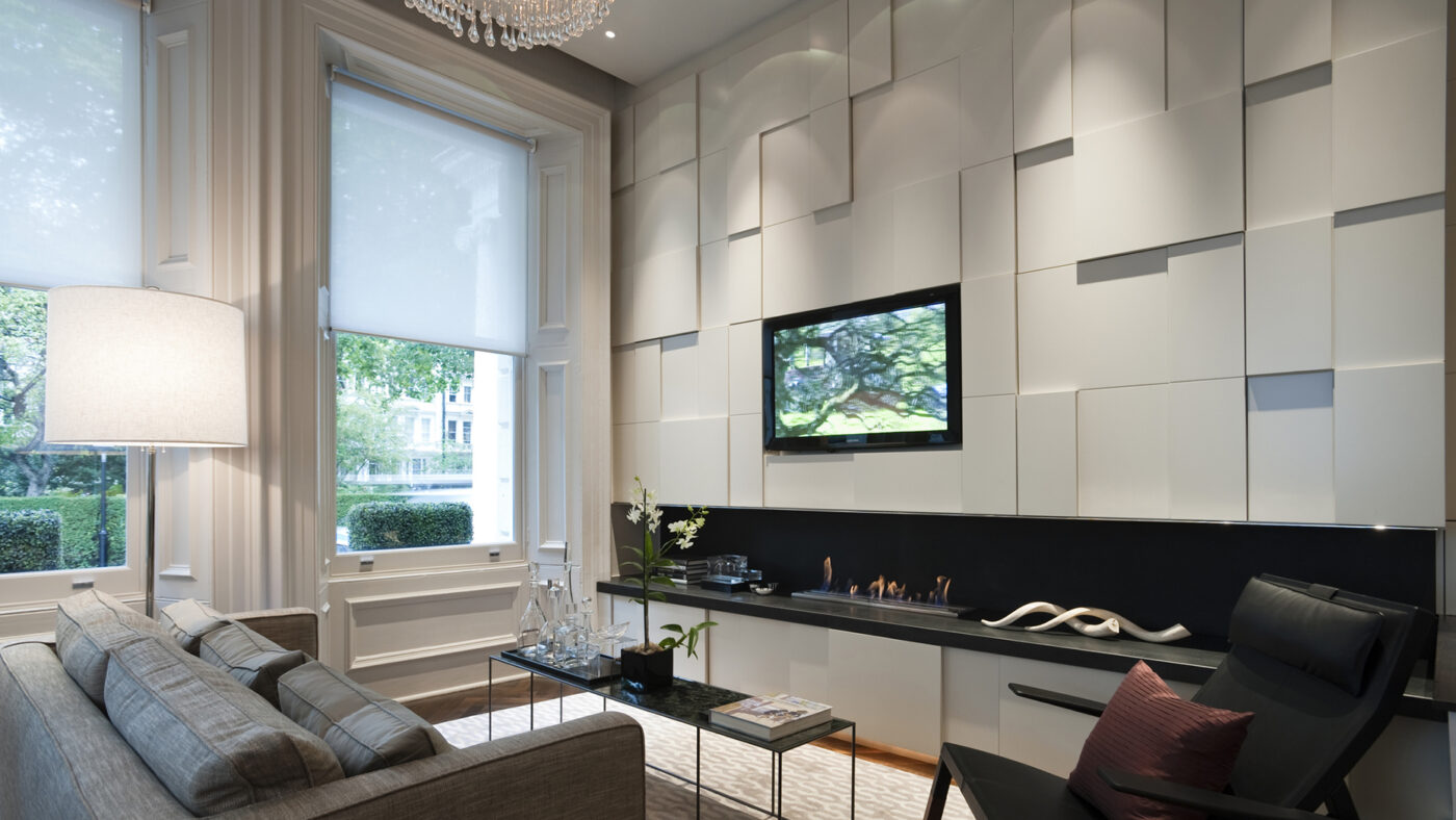 How smart shades support energy efficiency during summer