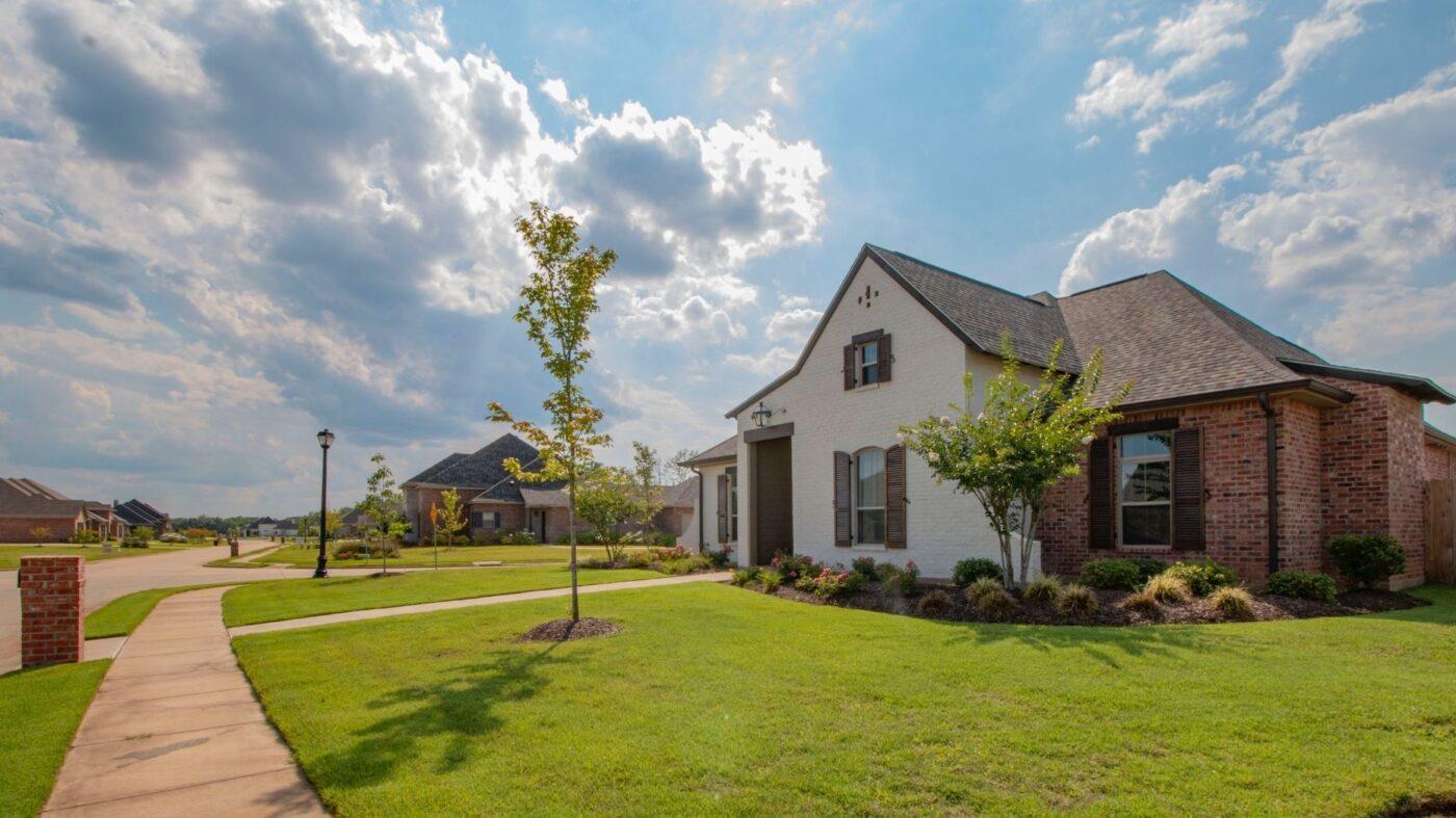 Pending-home sales take 4.4% hit in April