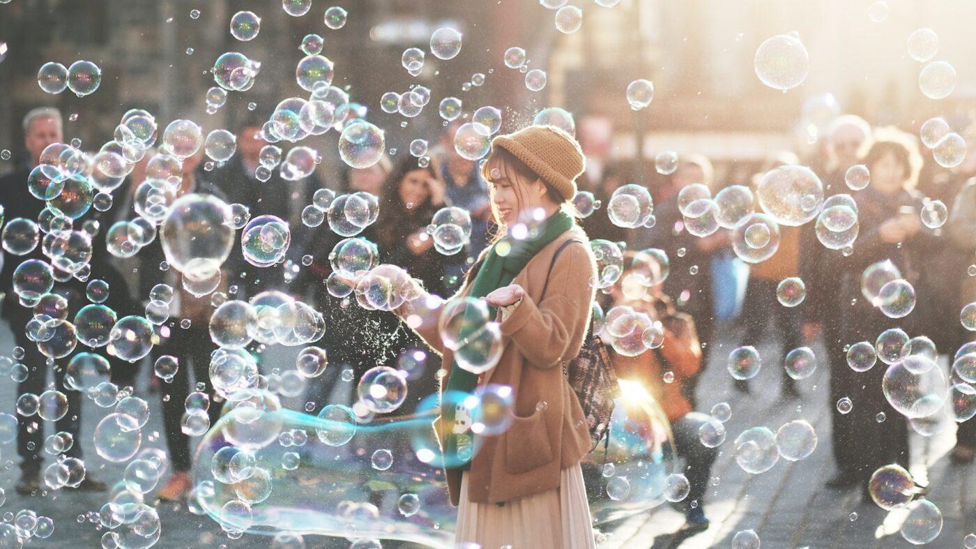 Dozens of economists don't see any bursting bubbles on the horizon