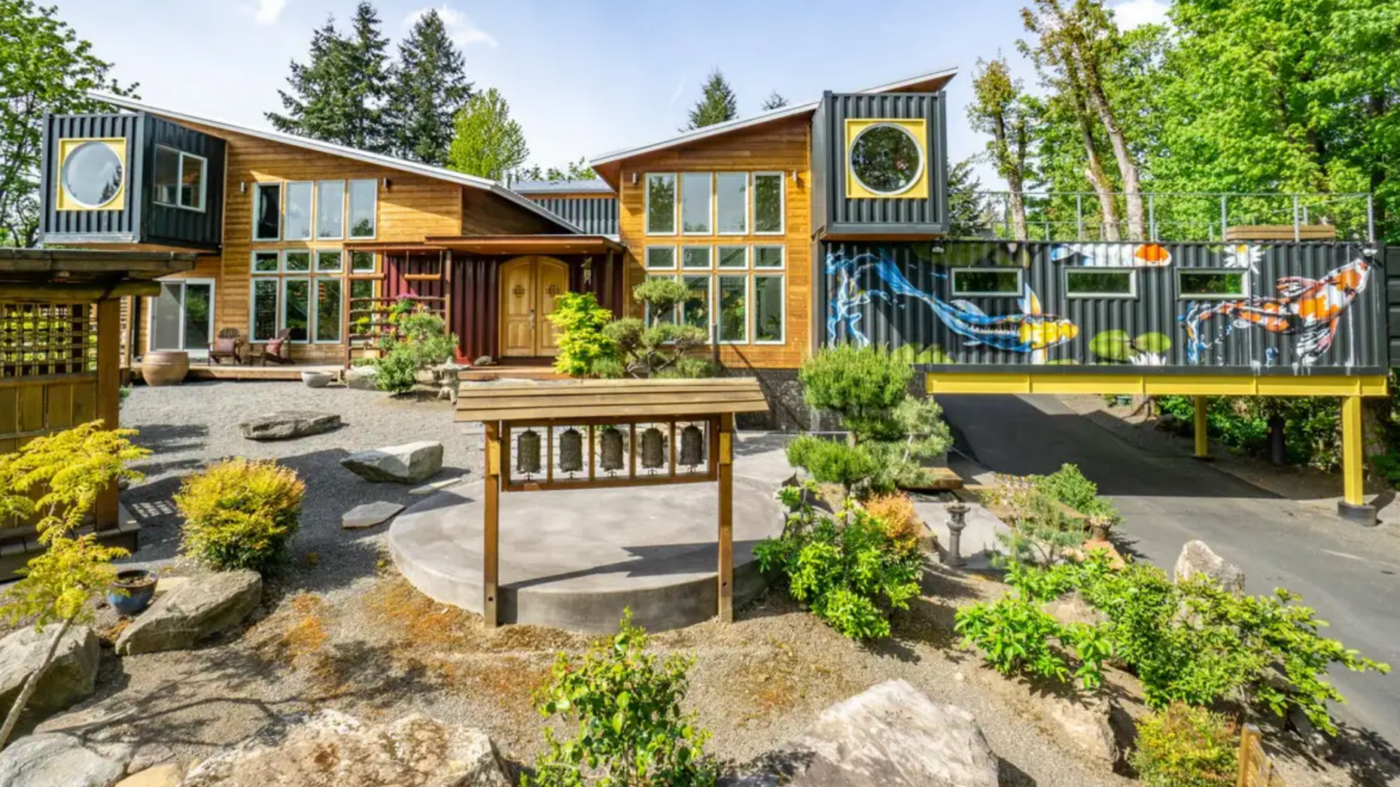 11 shipping containers were used to build this eco-friendly home