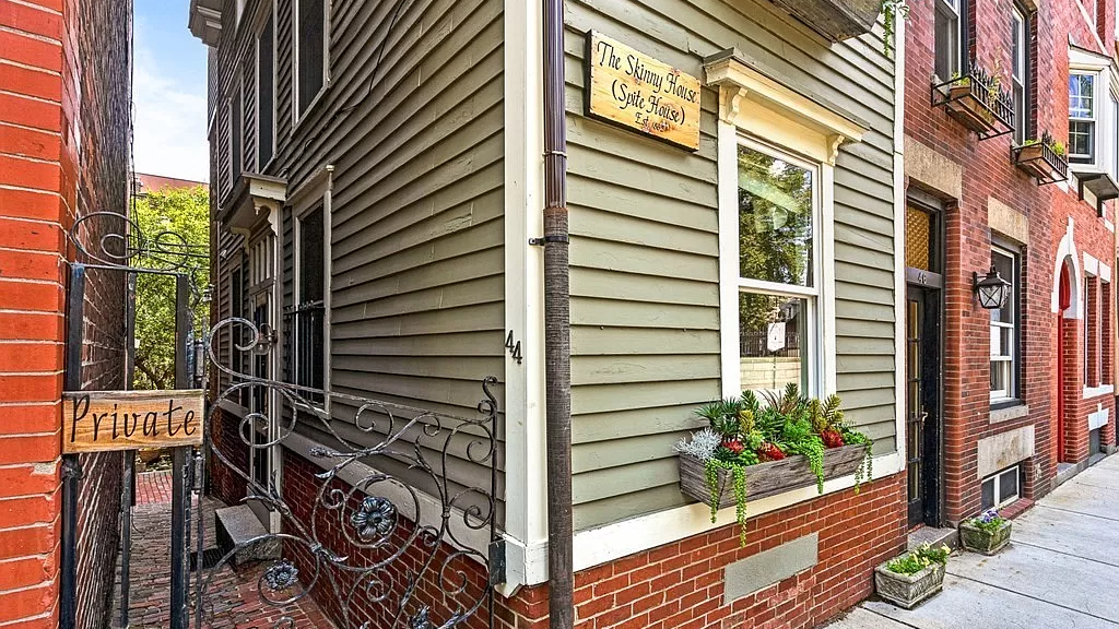 A monument to spite, Boston's 'Skinny House' hits market at $1.2M