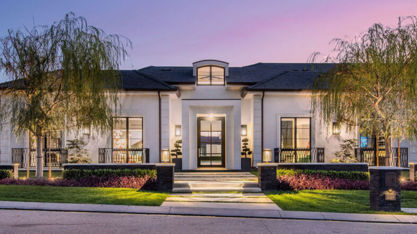 Spec home sells for record-breaking $30M in celebrity-packed Calabasas