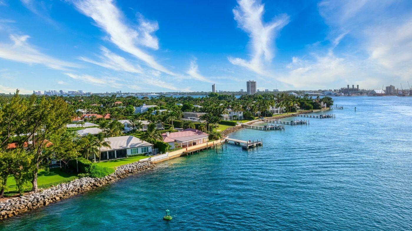 Compass Florida snatches 2 top Palm Beach agents